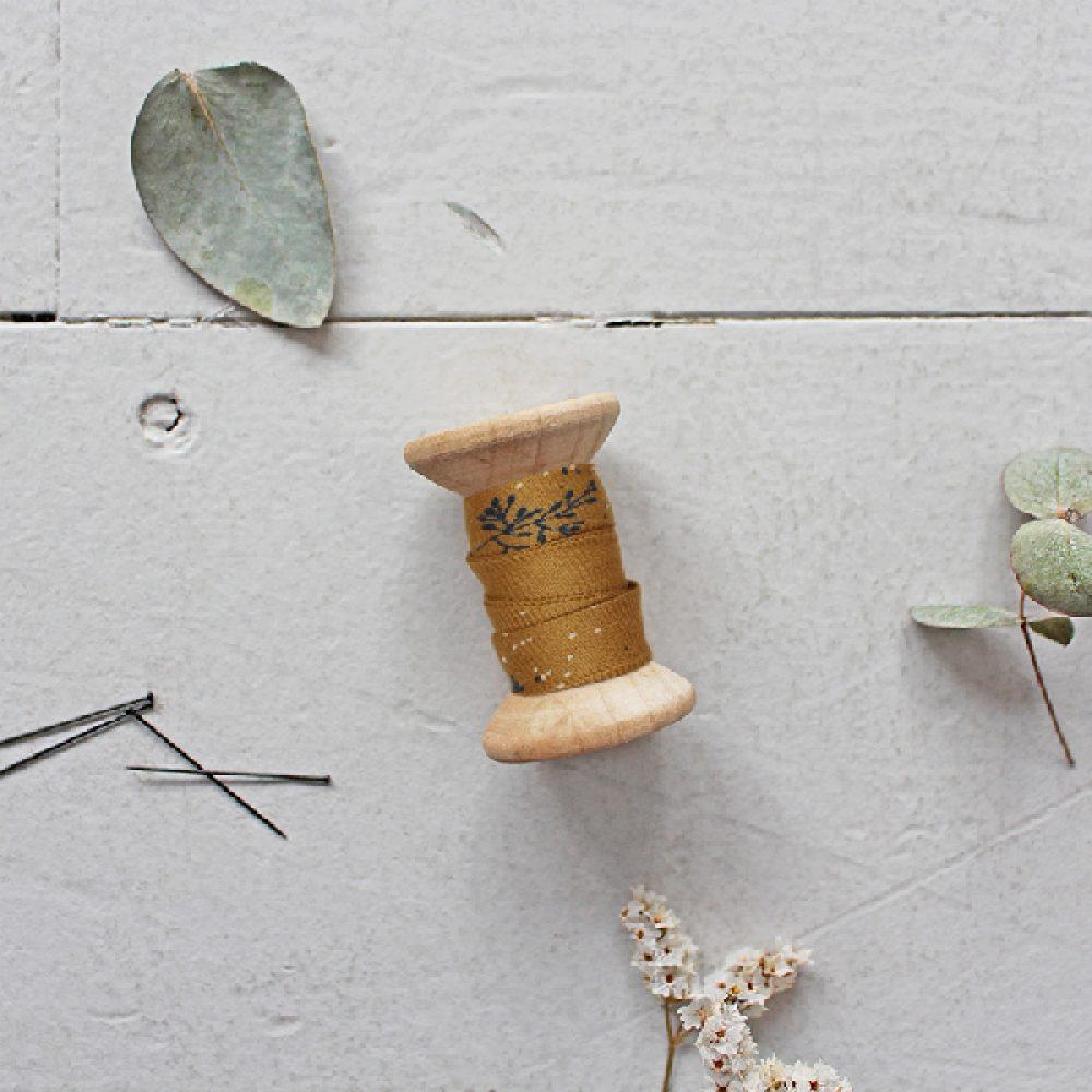 Twig ochre Atelier Brunette Schrägband
